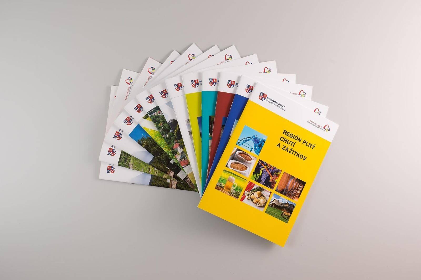 Kolekcia 13-tich brožúr o strednom Slovensku