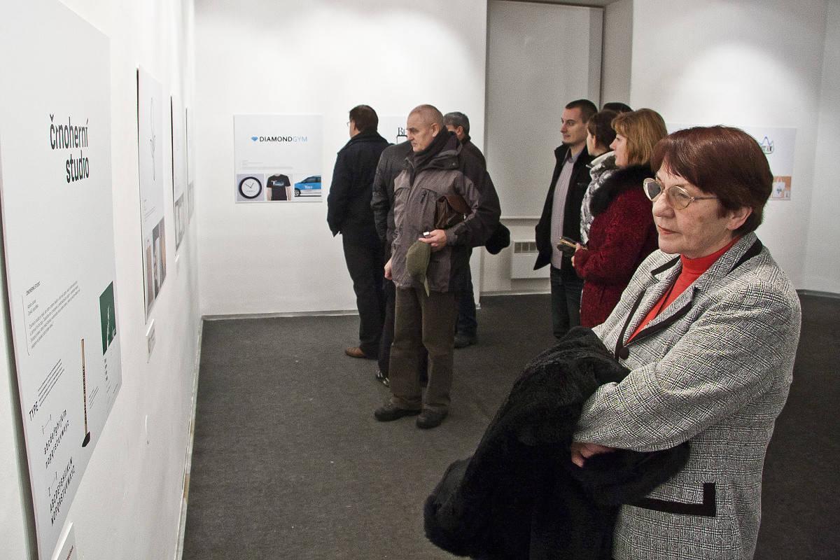 Návštevníci bienále LOGO 2012